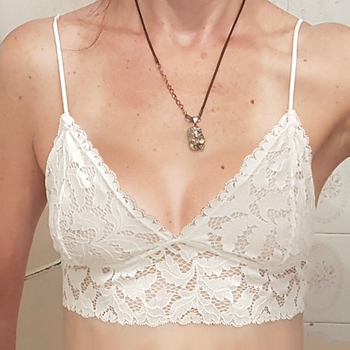 2020 New Lace Bra Top Women Floral Lace Bralette Ladies Seamless Intimates Girls Wireless Lingerie Soft Comfortable Brassiere floral lace yoke pearl detail top