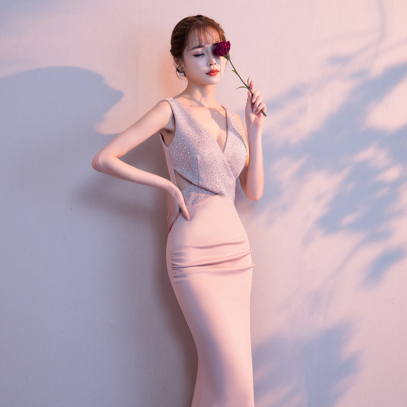 2019-Noble-Banquet-Gowns-Strap-V-Neck-Slim-Evening-Dress-Elegant-Women-High-Split-Cheongsam-Marrigahe (4)