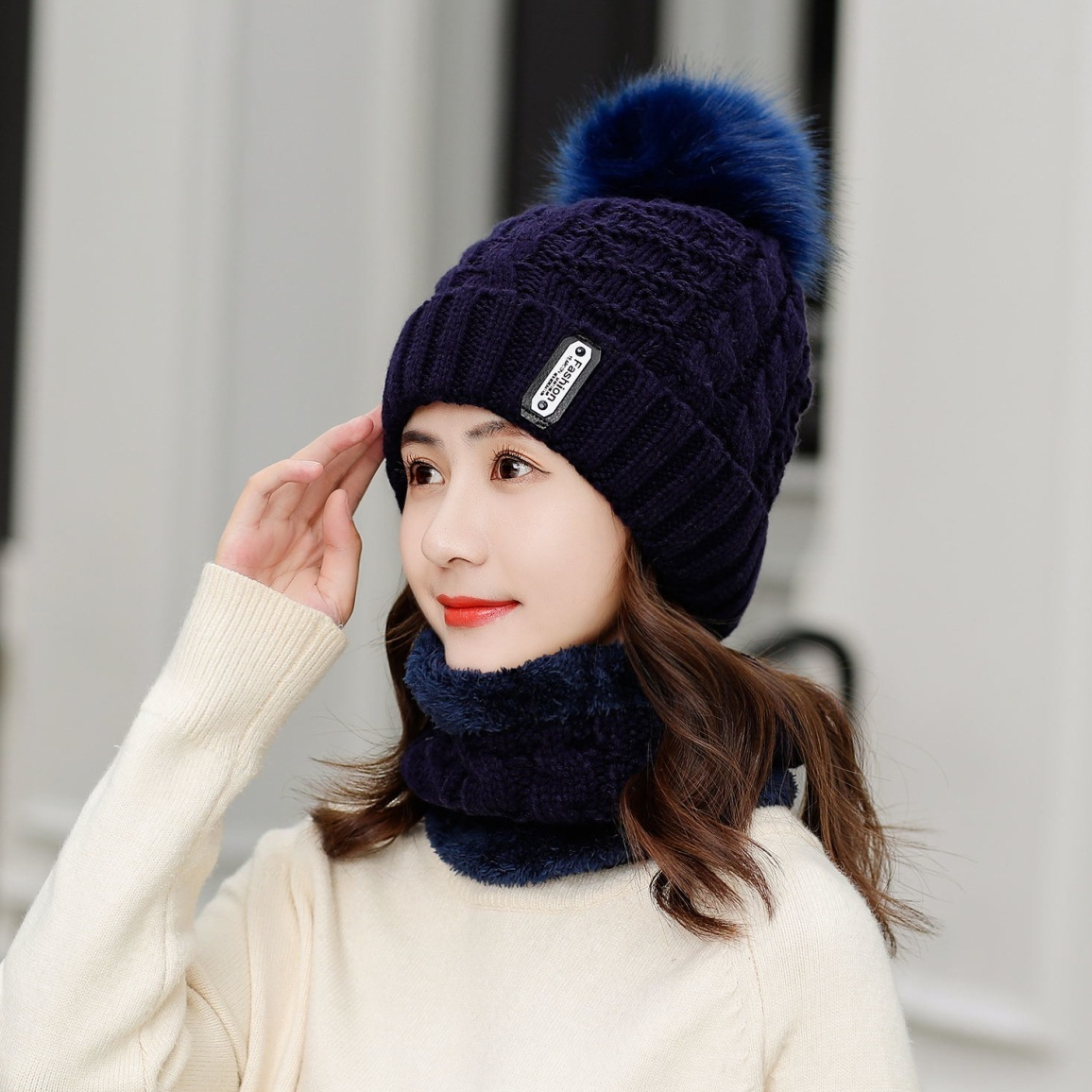 Women Winter Knitted Beanies Hats Women Thick Warm Beanie Skullies Hat Female Knit Letter Bonnet Beanie Caps Outdoor Riding Sets