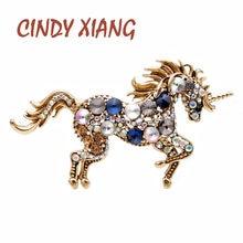CINDY XIANG 7 renk seçin Rhinestone at kadınlar için Unicorn broş Pin hayvan moda takı Vintage ceket Pin