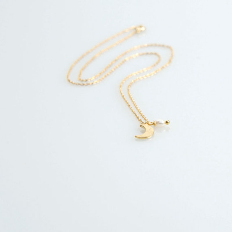 Moon Women Necklaces Star Simple Necklace Choker Short Chain Lovers Gold Color European Jewelry Trendy zinc alloy Girls collier