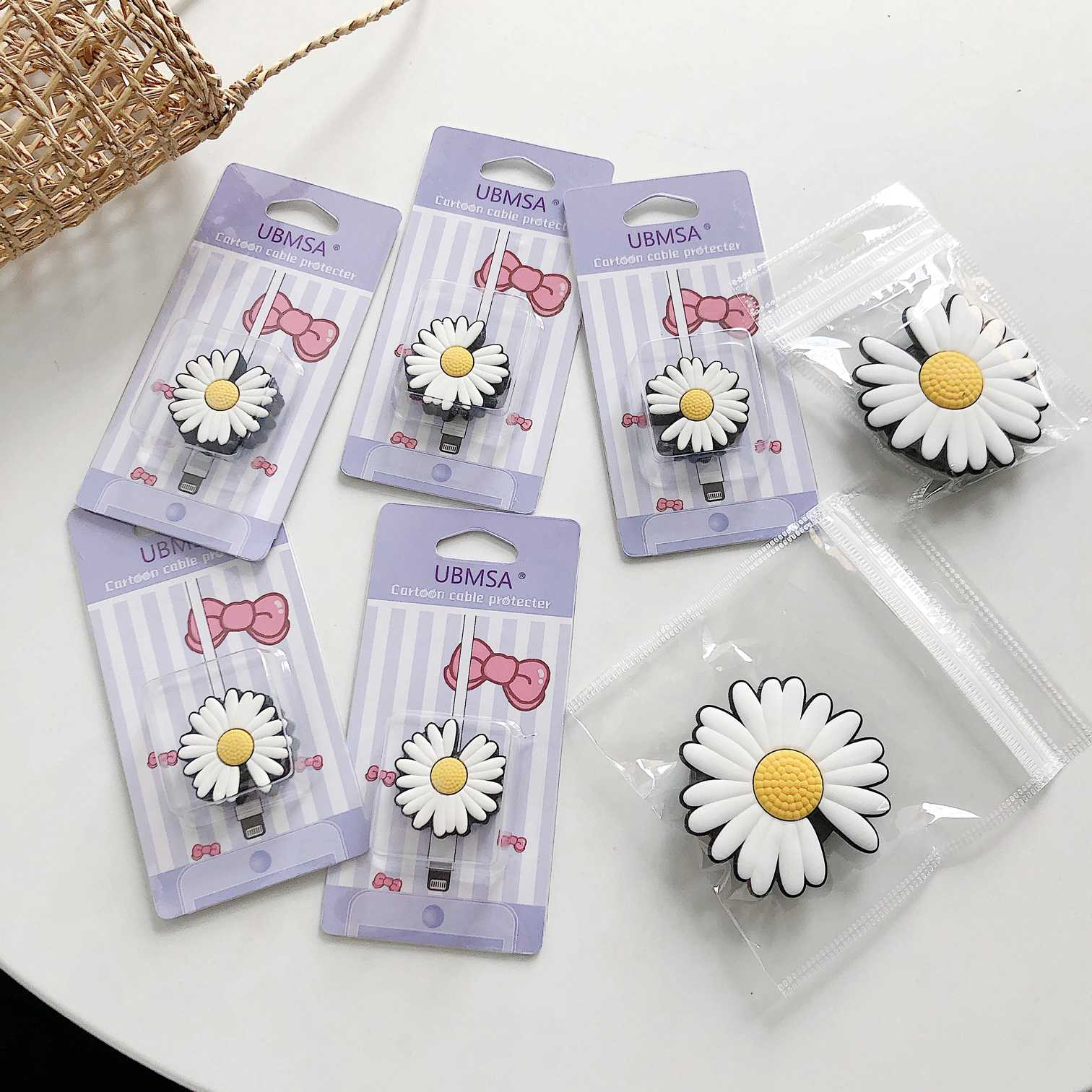 2Pcs-Korean Daisy Flower USB Wire Cover+Folding Finger Ring Holder Universal Mobile Phone Stand Grip Phone Expanding Holder