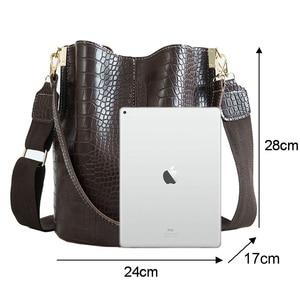 Image 2 - Crocodile PU Leather Handbag For Women Lady Crossbody Over Shoulder Bag Top Brand Luxury Designer Bag feminina totes sac a main