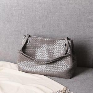 Image 2 - woman Genuine leather  manual  Weave Single shoulder large volume package  Woman  High quality  Inner zipper bag  Shoulder strap