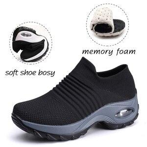 Image 2 - אופנה אישה Tenis Feminino לנשימה רשת טניס נעלי גובה הגדלת להחליק על נשי גרב סניקרס עבה תחתון פלטפורמות