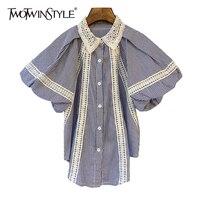 TWOTWINSTYLE-camisas de retazos Vintage azul holgado para mujer, blusas rectas coreanas de manga corta con solapa y farol, estilo de moda