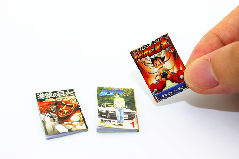 1:12 Dollhouse Miniature 3pcs Mini Attack On Titan Tetsuwan Atom Initial D Comic Books Toy For Forest Animal Family Collectible