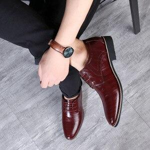 Image 3 - REETENEหนังอิตาลีชี้นิ้วเท้ารองเท้างานแต่งงานรองเท้าผู้ชายหนังผู้ชายชุดรองเท้าผู้ชายOxfords