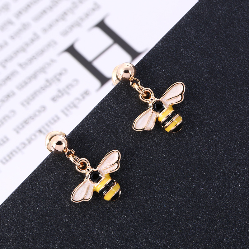Japanese and Korean Personality Creative Design Small Earrings Cartoon Bee Female Earings Fashion Jewelry