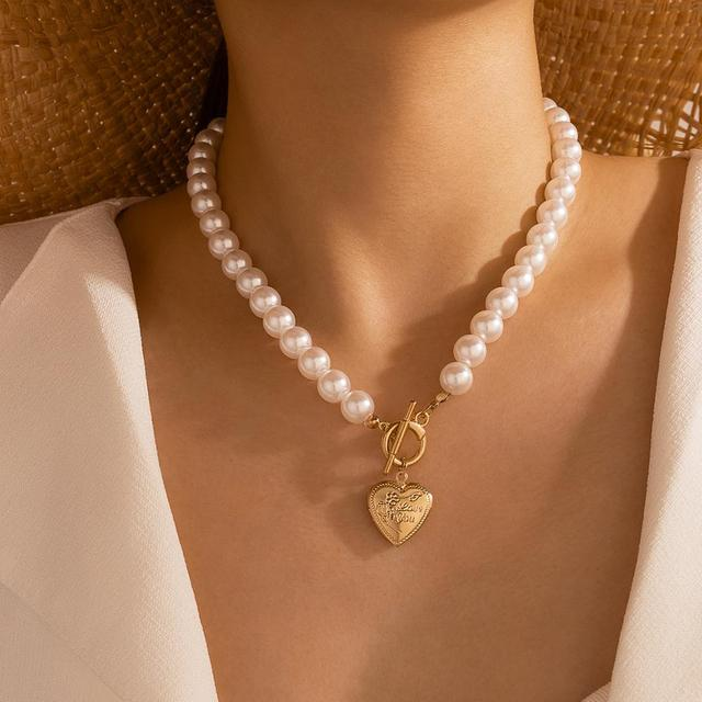 pearl and pendant necklace 6