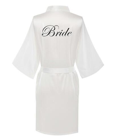 Image 2 - 新しい花嫁介添人ローブ白黒手紙母姉妹花嫁のウェディングギフトのバスローブ着物サテンローブ    グループ上の 下着