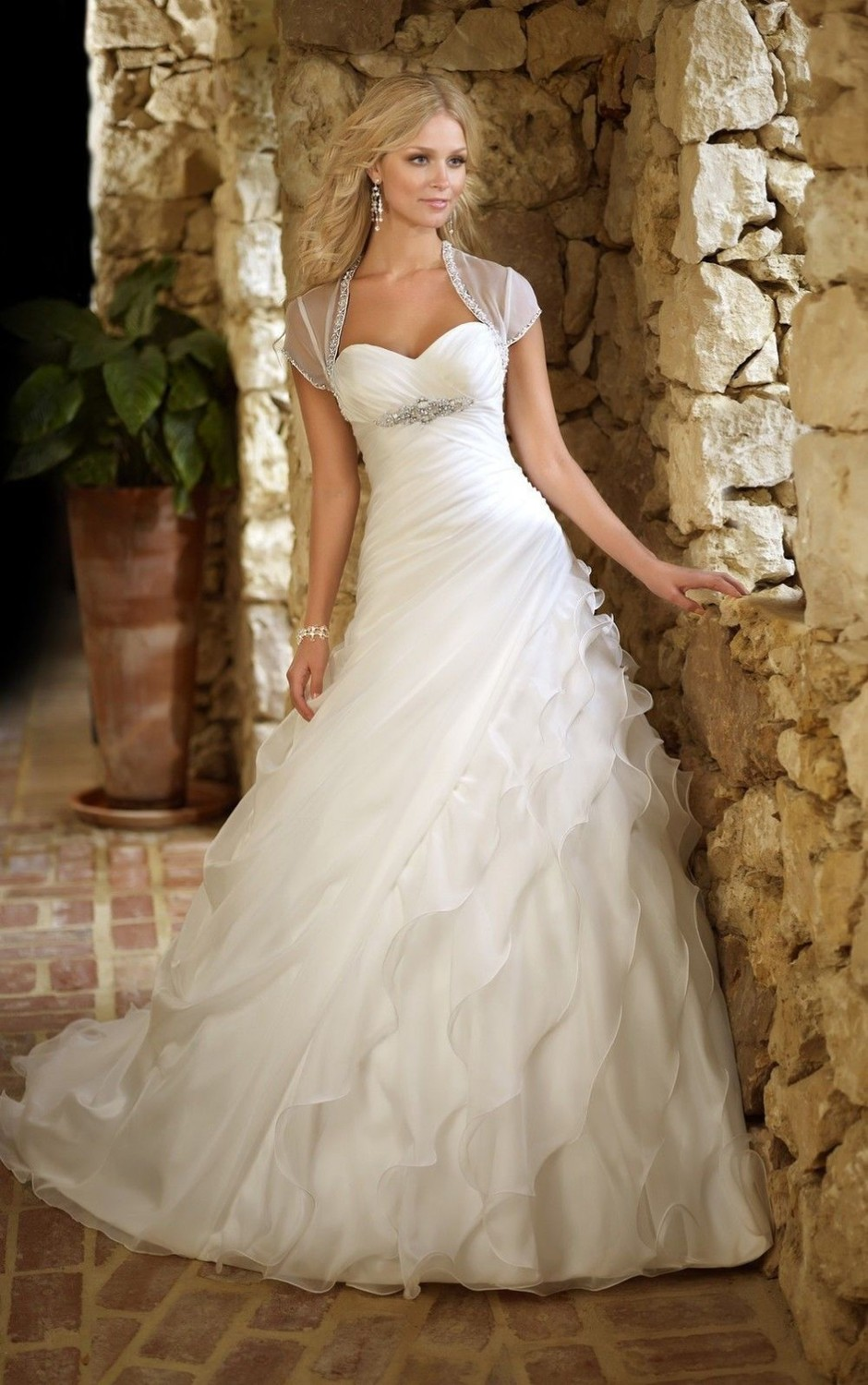 2018 Romantic Sweetheart White Layered Organza Bridal Gown Free Shipping Custom Vestido De Noiva Mother Of The Bride Dresses