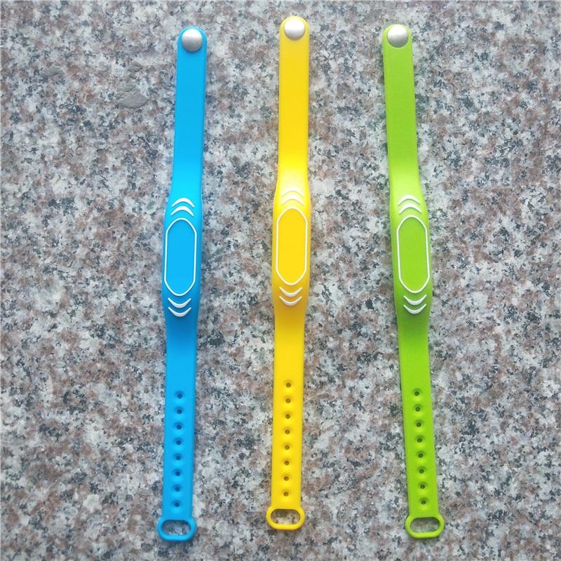 Newest Adjustable 13.56Mhz NFC Keyfob S50 ISO14443A Watch Silicone Wristband Bracelet Rfid Tag Color Random