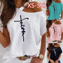 Camiseta de talla grande con estampado de letras para mujer, blusa Sexy de manga corta con cuello redondo y hombros descubiertos, Tops blancos informales para mujer