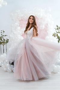Image 2 - Платья на выпускной różowy tiul sukienka na studniówkę wysoki podział głęboki dekolt suknia wieczorowa linia zasznurować vestido de festa