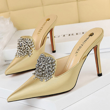 Luxury 10.5cm Crystal Silk Satin Closed Toe Slip On Heels 2