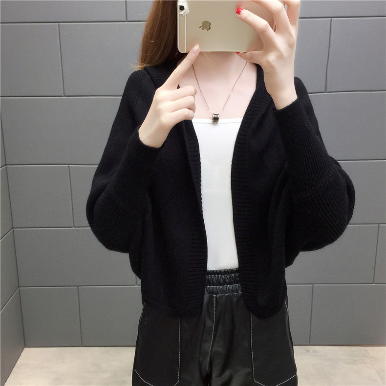 2019 Free send New style Korean loose and comfortable Autumn women Cardigan Sleeve of bat Hooded Sweater coat 142