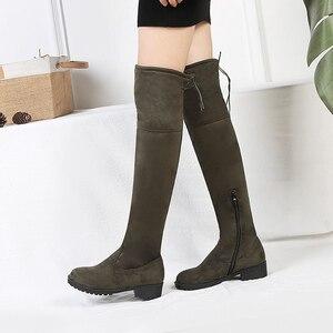 Image 2 - 탄성 허벅지 높은 부츠 여성 패션 겨울 부츠 여성 무릎 부츠 위로 스트레칭 낮은 뒤꿈치 캐주얼 녹색 검은 신발 여자