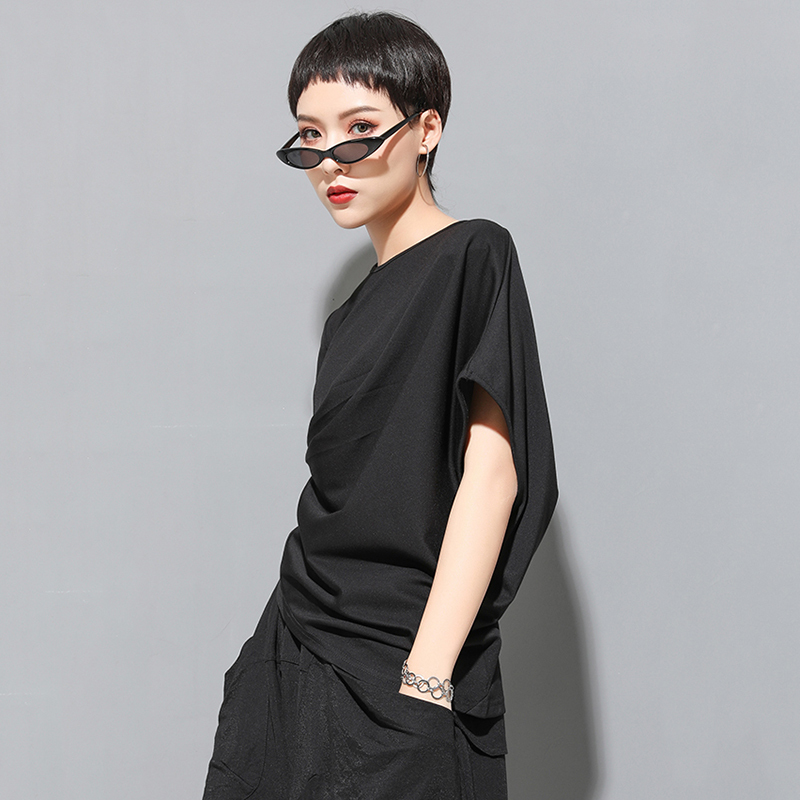 [EAM] 2020 New Spring Summer Round Neck Short Sleeve Black Irregular Fold Pleated Irregular T-shirt Women Fashion Tide JT616 5