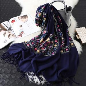 Image 1 - 2020 Designer Merk Vrouwen Sjaal Winter Kasjmier Sjaals Lady Sjaals En Wraps Vrouwelijke Deken Pashmina Borduren Sjaals