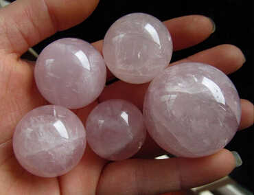 +++ --- 331 +++ 5 stücke 24-35mm Madagaskar tief rosa rose quarz bergkristall kugel
