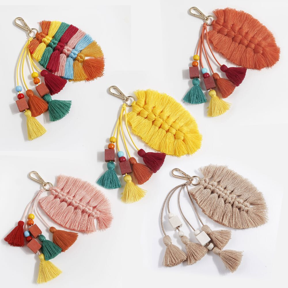 Pure Handmade Creative Cotton Tassel Pendant Leaves Wooden Beads Bag Ornaments Nordic National and European Keychain Pendant