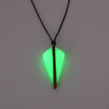 Κολιέ σε Σχήμα Βέλους Αρχαία Ξύλινη Ρητίνη Συνδυασμένη με Δύναμη Κοσμήματα Ενέργειας Φωτεινό Κρεμαστό Δώρο