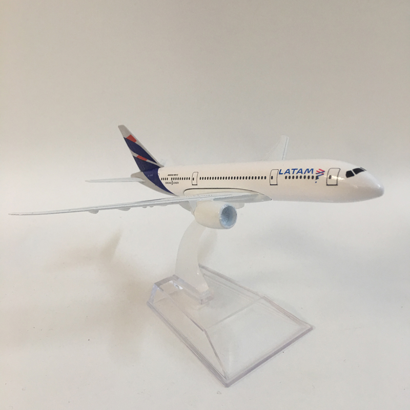 16cm Metal Alloy Plane Model Chile Air LAN Airways Boeing 787 B787 CC-BBA Airlines Airplane Model W Stand Aircraft Kids Toy Gift
