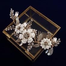 Peines de pelo Dorado europeo para novias, hojas, palos de flores, diamantes de imitación, accesorios para el cabello de boda