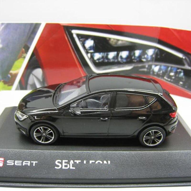컬렉션을위한 1/43 스케일 시트 레온 자동차 모델 장난감 다이 캐스트-에서다이캐스트 & 장난감 차부터 완구 & 취미 의  그룹 1