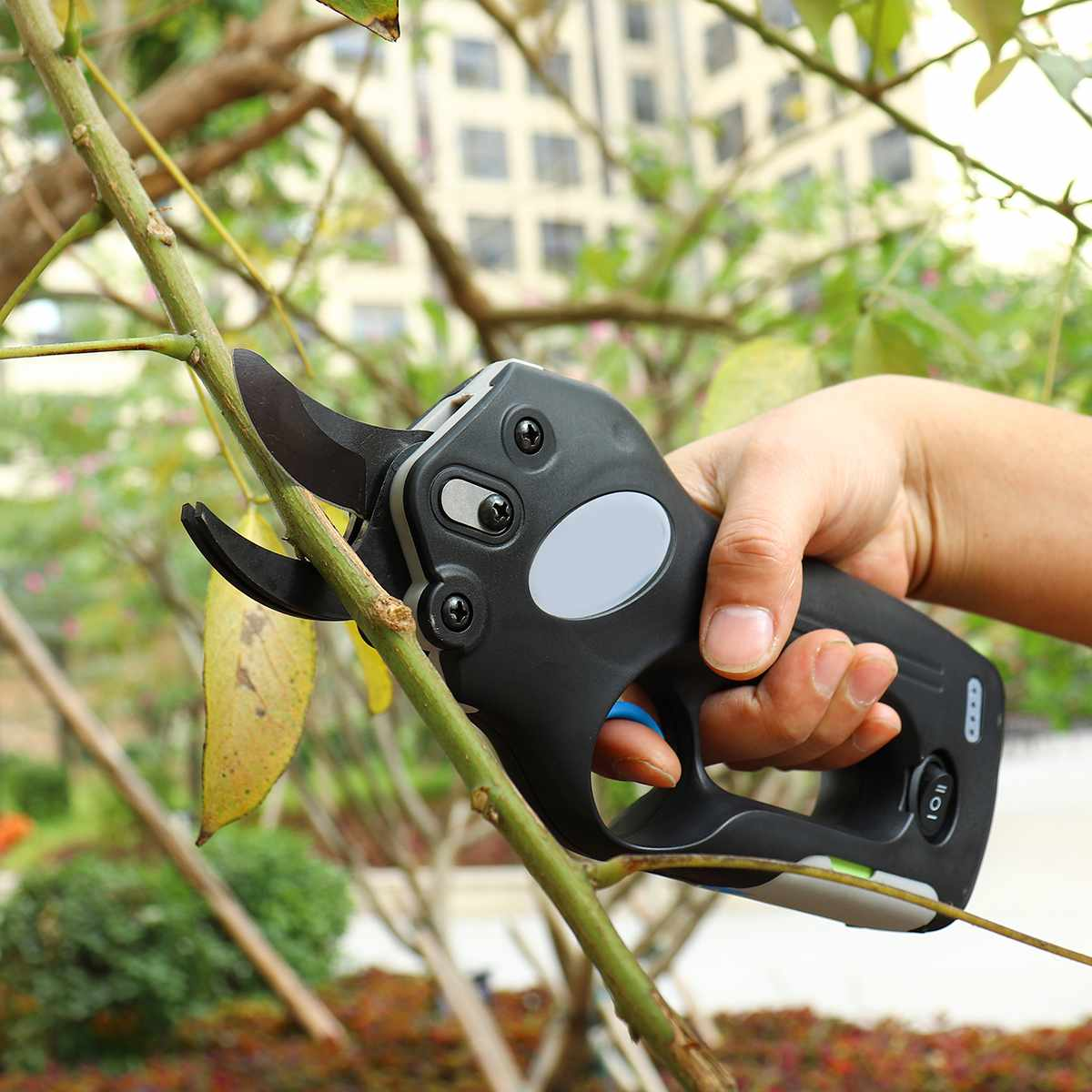 12V Wireless Electric Rechargeable Garden Scissors for Pruning Branches and stems with 4 Li-ion Battery 15