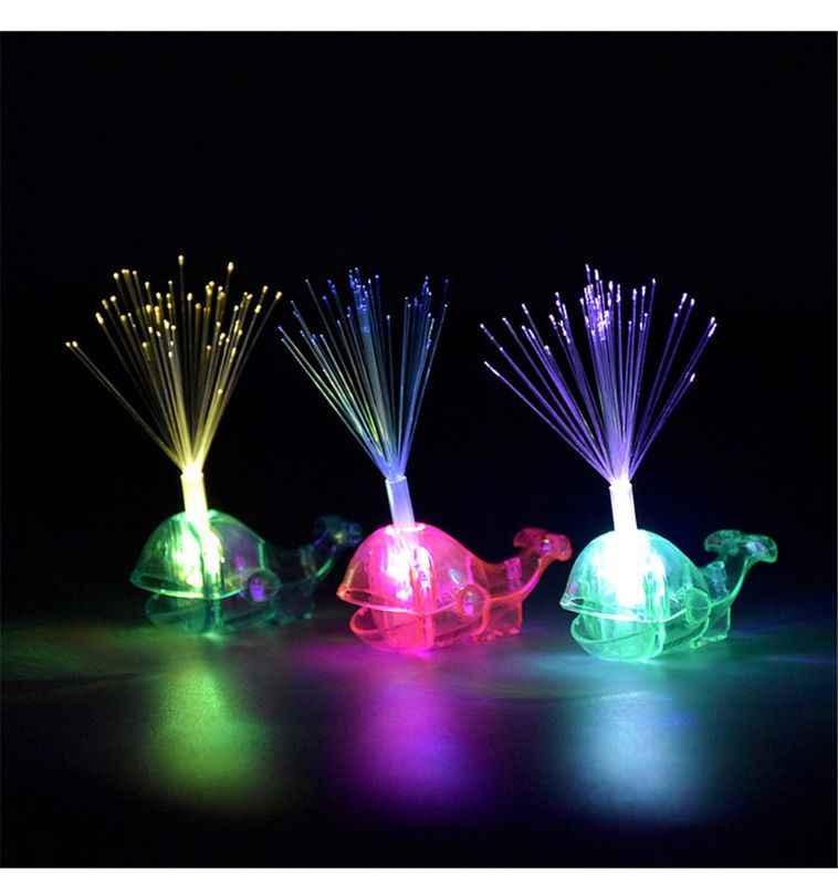 Linda ballena Led anillo de juguete para niños luces de dedo Flash luminoso luz brillan en la oscuridad juguetes recuerdos para fiesta regalo Q6PD