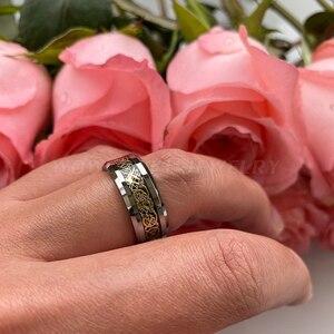 Image 5 - Anel de carboneto de tungstênio incrustado de fibra de carbono preto das mulheres dos homens bordas chanfradas polido ouro dragão aniversário casamento anéis