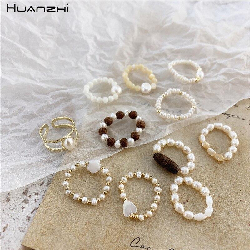 HUANZHI 2020 новые корейские винтажные образцы из натурального жемчуга, металлические бусины, эластичные кольца для женщин и девочек, вечерние ю...