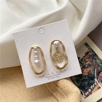 Shamir Korea Contracted French Retro Elegant Temperament Asymmetric Pearl Earring Stud earrings Small Girl Gifts image
