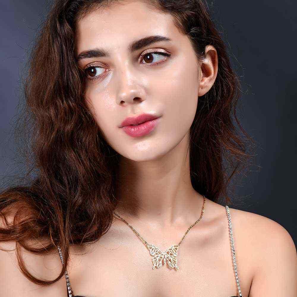 100% ステンレス鋼動物蝶ファッションネックレス女性の特別なギフト卸売女性の流行のジュエリー