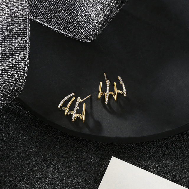 New contracted small Geometric metal Earrings 2020 Korean shiny crystal sweet fresh senior Women Stud Earrings 1