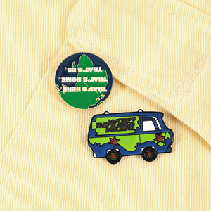Fashion Green Car Earth Round Badges IUCN Slogan Protect the Earth Brooches Pin Cartoon Jewelry Lapel Backpack Enamel Pins Gifts