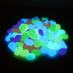 Image 5 - 20, 30,50,100 pcs Acquario Ornamenti Pietre Glow In The Dark Luminoso Pebbles Stones Per Il Giardino Ornament Fish Tank Decorazione