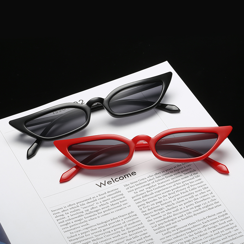 Black Red Frame Sexy Cat Eye Sexy Sunglasses Women Small Vintage Retro Fashion Eyewear Brand Designer Sun Glasses