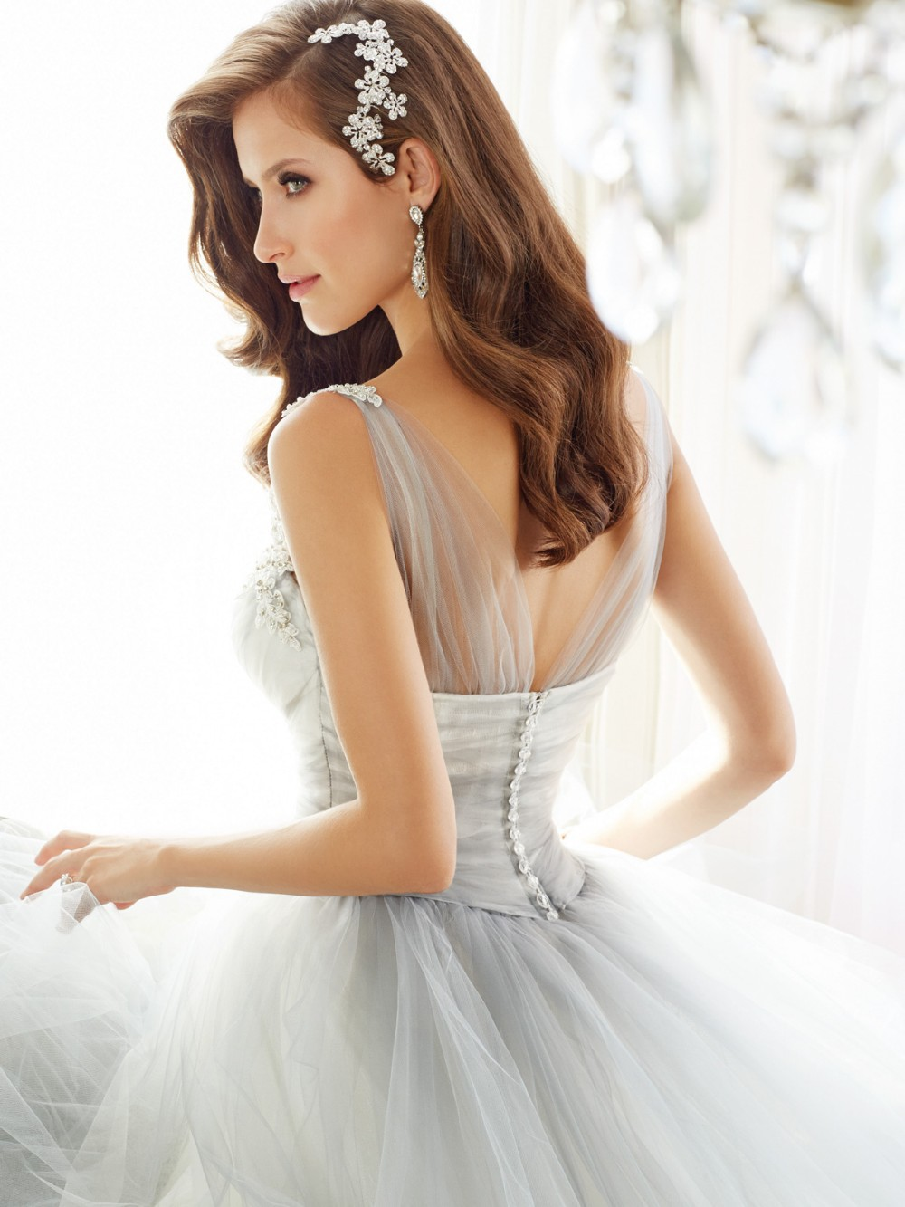 New Spring Design Ball Gown Elegant Bride Sexy V Neck Chapel Train Tulle Custom Made Royal Wedding Dresses 2016 With Straps