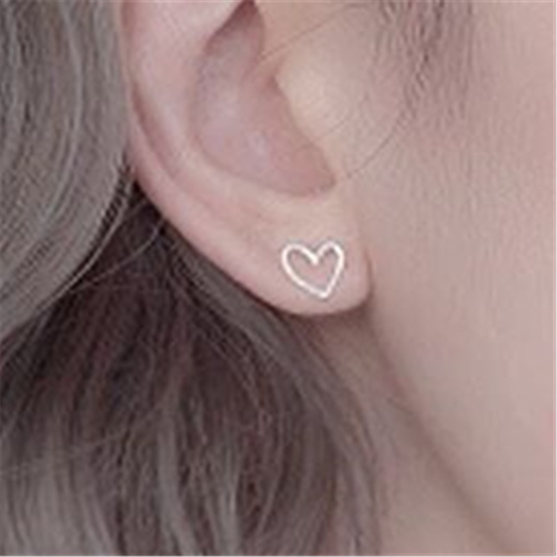 Simple Fashion Silver Star Earrings Personality Charm Classic Temperament Female Wild Heart-shaped Ear Jewelry