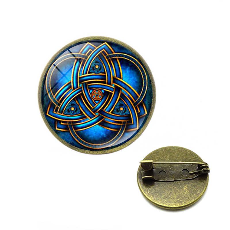 Triquetra Simbolo Spille Celtics Knot Triquetra Trinity Cross Spilla di Velluto Nero Spilli Unico Amuleto Talismano Gioielli Di Natale