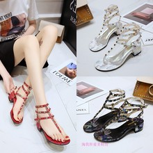 Sandals female 2019 summer new Korean version of the thick with rivets high-heeled word with Roman sandals женские сандалии 2015 2015 new korean high heeled sandals