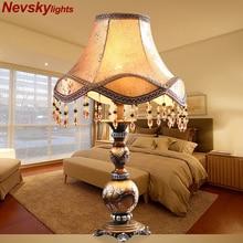 Modern Decorเรซิ่นตารางโคมไฟห้องนอนตกแต่งบ้านผ้าปูที่นอนตกแต่งBronzeฐานโคมไฟตั้งโต๊ะตารางยุโรปโคมไฟผ้า