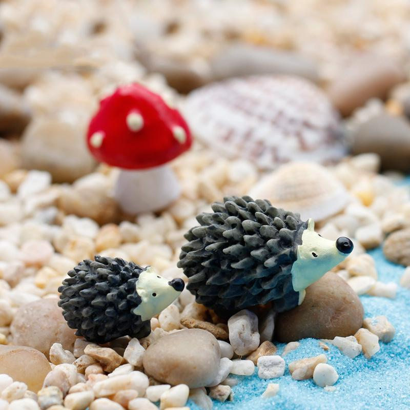 3Pc/Set Garden Moss Resin Crafts Artificial Mini Hedgehog Red Dot Mushroom Miniature Ornament Hedgehog Decor Fairy Garden