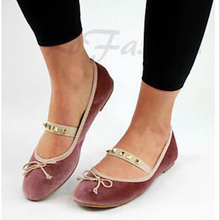 Flat-soled womens shoes; New Bean Shoes for the Summer of 2019; Womens breathable sandals; lace knitted flat-soled