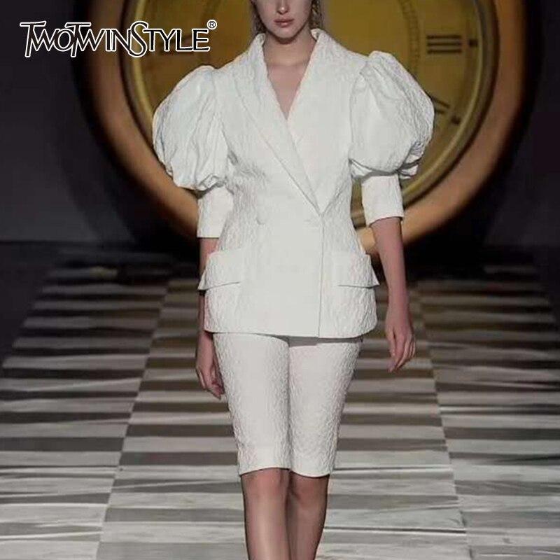 Комплект из двух предметов TWOTWINSTYLE Csaual, костюм из двух предметов: футболка с коротким рукавом и вырезом фонариком, штаны до колена с высокой талией|Спортивные костюмы|   | АлиЭкспресс