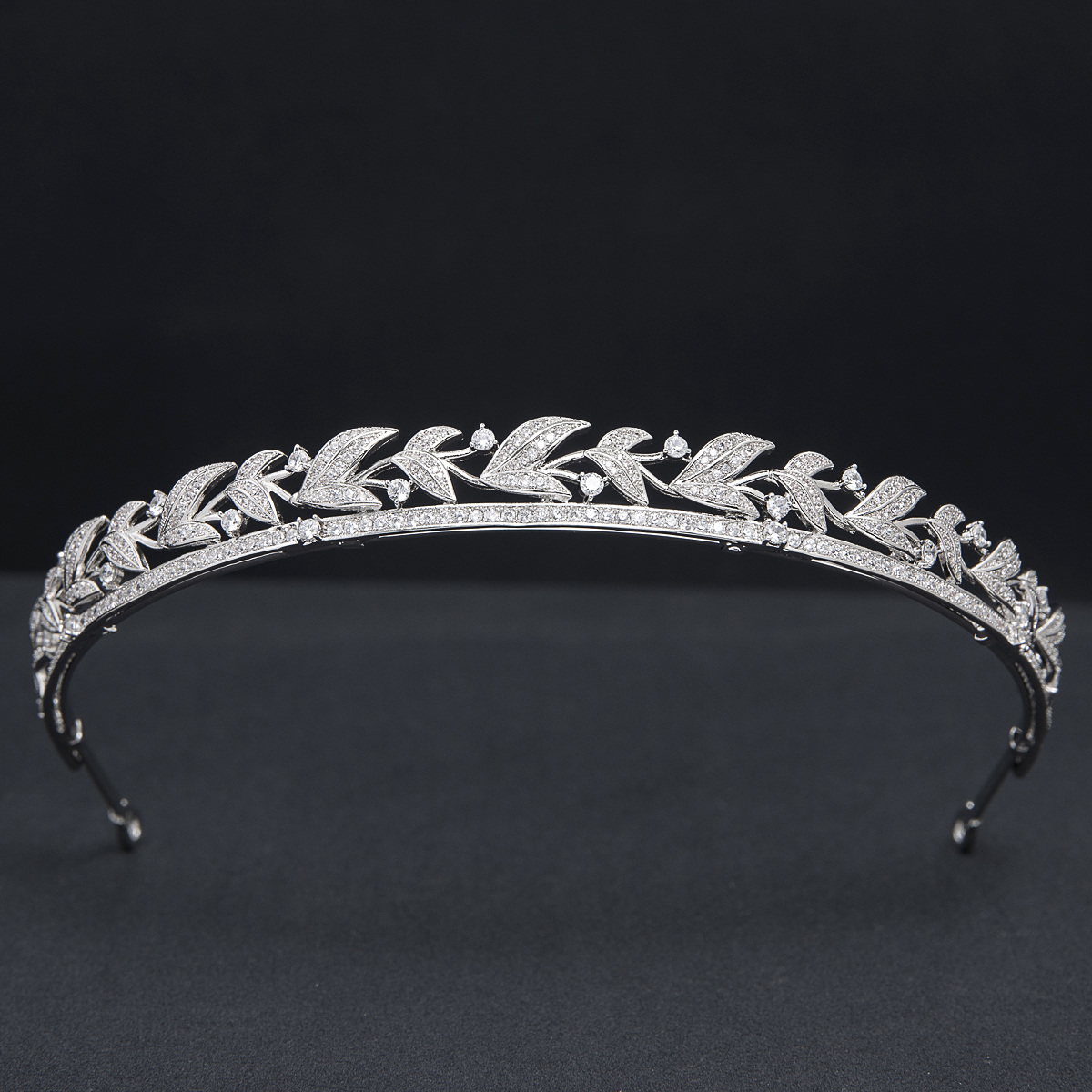 Pretty Cubic Zirconia Leaves Headband, Tiara for Wedding,Crystal Princess Headpieces for Girl,Prom,Party Head Jewelry CH10391