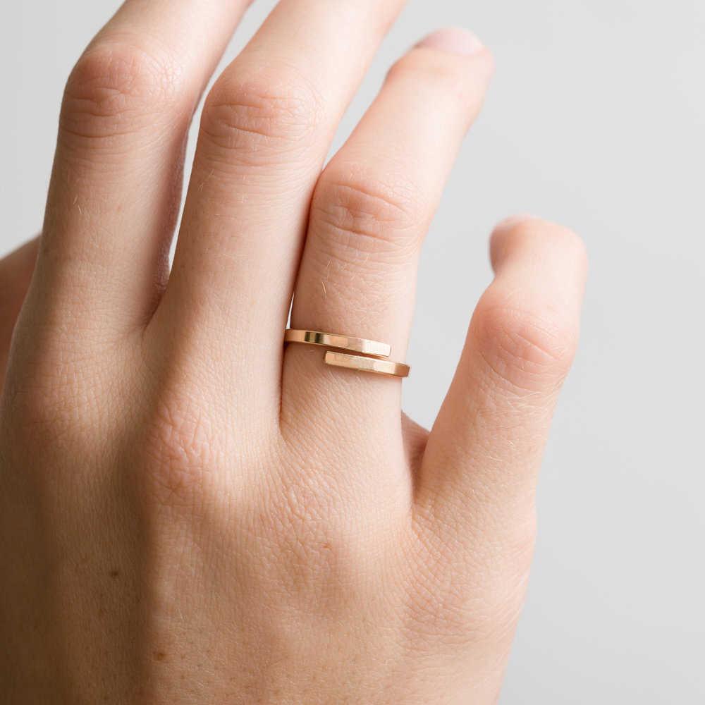 E-מנקו מינימליסטי אישית מכתב מאהב לנצח אירוסין טבעת מתכוונן נירוסטה טבעות לנשים